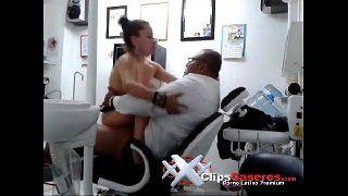 Morena gostosa trepando com o dentista xvideos dentista